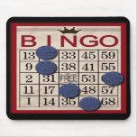 Retro Bingo-Karte mit Chips Mauspads