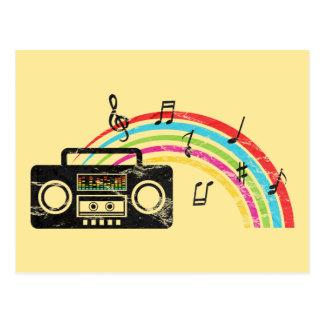 Retro boombox mit Musik und Regenbogen Postkarte