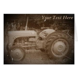 Retro Fotografie des Vintagen grauen Traktors Karte