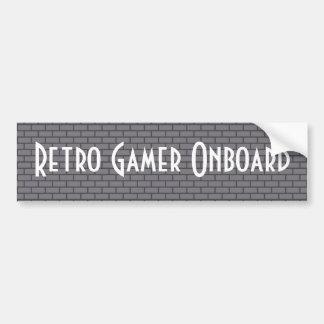 Retro Gamer an Bord, grauer 8-Bitziegelstein Autoaufkleber