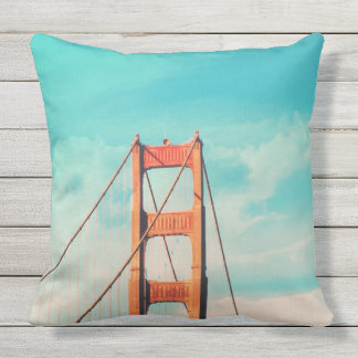 Retro Golden Gate-San Francisco Kissen im Freien