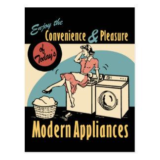Retro Hausfrau-Waschmaschinen-Trockner Postkarte