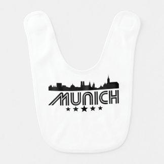 Retro München-Skyline Lätzchen