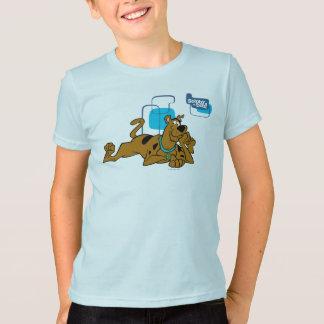 Retro Quadrate Scooby-Doo, das sich hinlegt T-Shirt