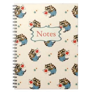 Retro RaccoonValentine mit einem Liebe-Buchstaben Notizblock