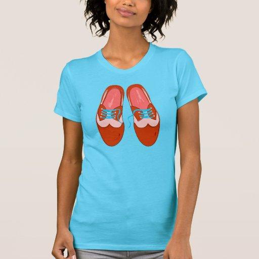 Retro rote Schuhe T-Shirts