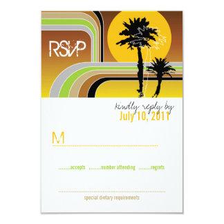 Retro Sonnenuntergang-tropische Palmen, die UAWG Karte