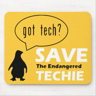 Retten Sie das gefährdete Techie Mousepad