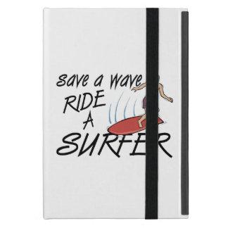 Retten Sie einer Wellen-Fahrt einen Surfer Schutzhülle Fürs iPad Mini