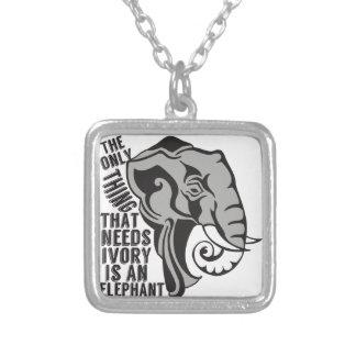 Retten Sie Elefanten Amuletten