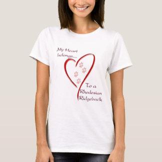 Rhodesian Ridgeback Herz gehört T-Shirt