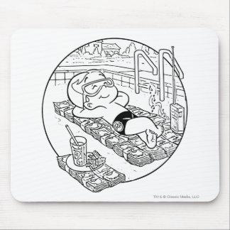 Richie Reiche im Pool - B&W Mousepad