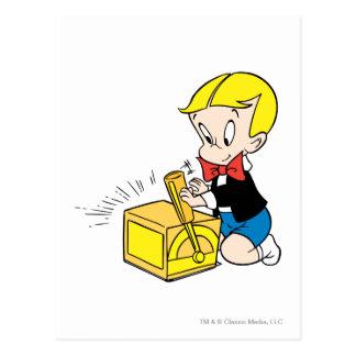 Richie reiches Spielen mit Spielzeug - Farbe Postkarte