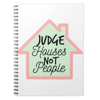 Richter bringt nicht Leute unter Spiral Notizblock
