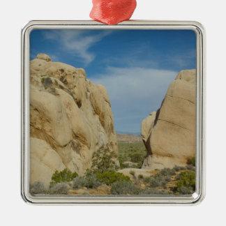 Riesige Felsen am Joshua-Baum-Nationalpark Silbernes Ornament