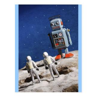 Riesiger Roboter auf dem Mond Postkarte