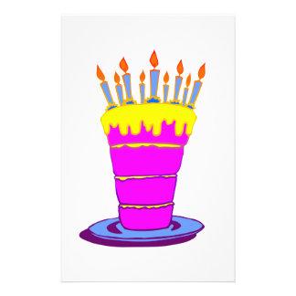 Riesiger rosa Geburtstags-Kuchen Flyerbedruckung