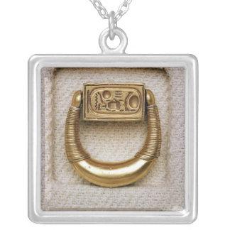 Ring mit dem Siegel von General Horemheb Versilberte Kette