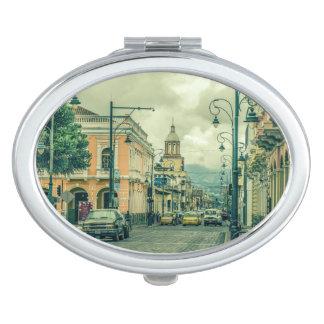 Riobamba historische städtische Mittelszene Taschenspiegel