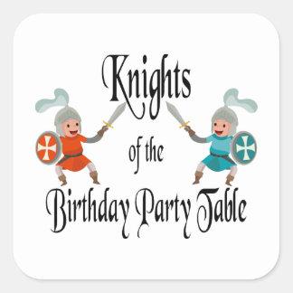 Ritter der Geburtstags-Party-Tabelle Quadratischer Aufkleber