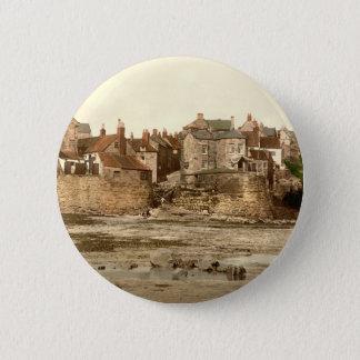 Robin Hoods Bucht II, Whitby, Yorkshire, England Runder Button 5,7 Cm