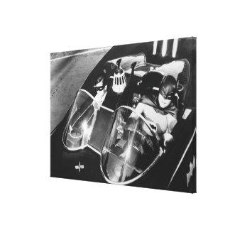 Robin und Batman in Batmobile Leinwand Drucke