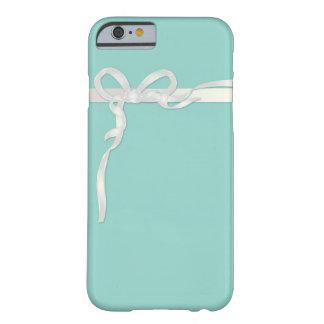 Robins Ei-blaues Schmuckkästchen mit weißem Band Barely There iPhone 6 Hülle
