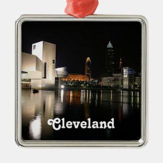 Rock n RollenHall of Fame, Verzierung Clevelands Quadratisches Silberfarbenes Ornament