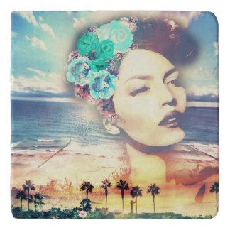 Rockabilly Kalifornien-Palmen-Küstensommer-Frau Töpfeuntersetzer