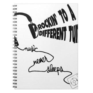 Rockin zu einer anderen Melodie - Musik schläft Notizblock