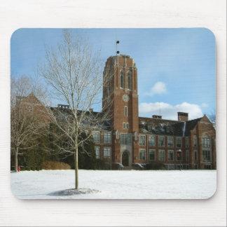 Rockwell im Winter an der Waldungs-Stadt-Uni Mousepad