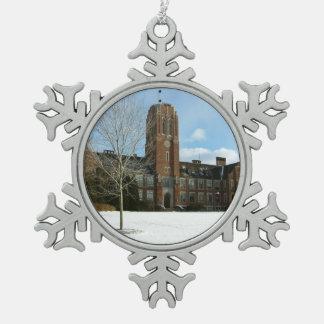 Rockwell im Winter an der Waldungs-Stadt-Uni Schneeflocken Zinn-Ornament