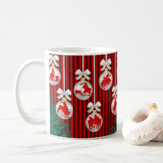 Rodeo-Verzierungen auf roter Kaffeetasse