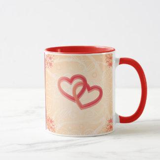 romantische Beschaffenheit mit der Herz-Tasse Tasse