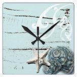 Romantische elegante blaue Seashell-Strandmodeuhr Uhr