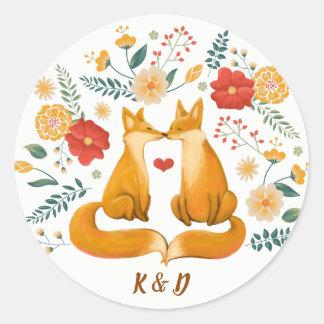 Romantische Füchse und rustikale Runder Aufkleber