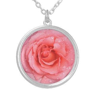 Romantische rosa Rosen-Wasser-Tropfen Versilberte Kette