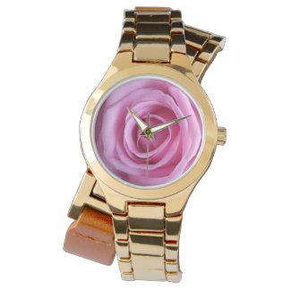 Romantische süße weiche rosa Rosen-GoldBlumen-Uhr Armbanduhr