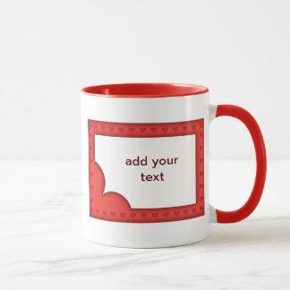 Romantischer roter Rahmen mit Herzen Tasse