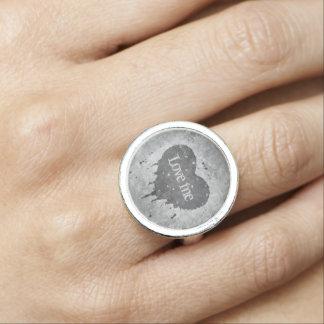 Romantisches graues Herz Foto Ringe