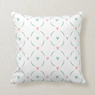 Romantisches tadelloses grünes und rosa Herzmuster Kissen
