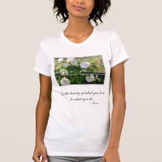 Romantisches weißes Rose Rumi Zitat T-Shirt