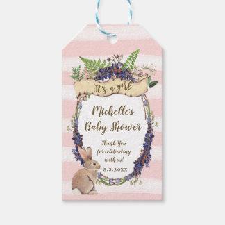 rosa Babyparty etikettiert Häschen, das es ein Geschenkanhänger