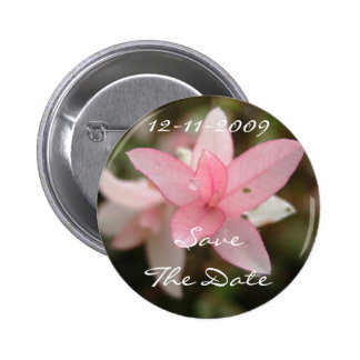 Rosa Blume Save the Date Runder Button 5,7 Cm