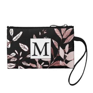 Rosa botanisch auf schwarzer Monogramm-Kupplung Münzbörse