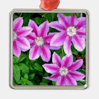 Rosa Clematis und wildes Oregano Quadratisches Silberfarbenes Ornament