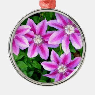 Rosa Clematis und wildes Oregano Rundes Silberfarbenes Ornament