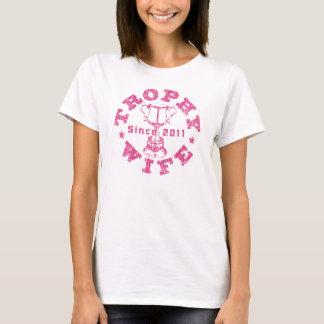 Rosa der Trophäe-Ehefrau seit 2011 T-Shirt