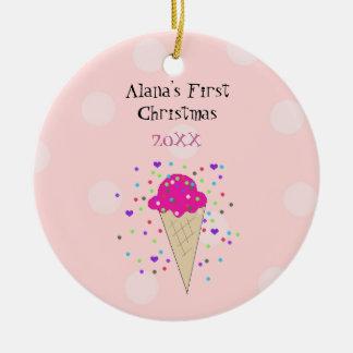 Rosa Eistüte-Baby-erstes Weihnachten Rundes Keramik Ornament