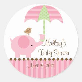Rosa Elefant-Regenschirm-Babyparty-Aufkleber Runder Aufkleber